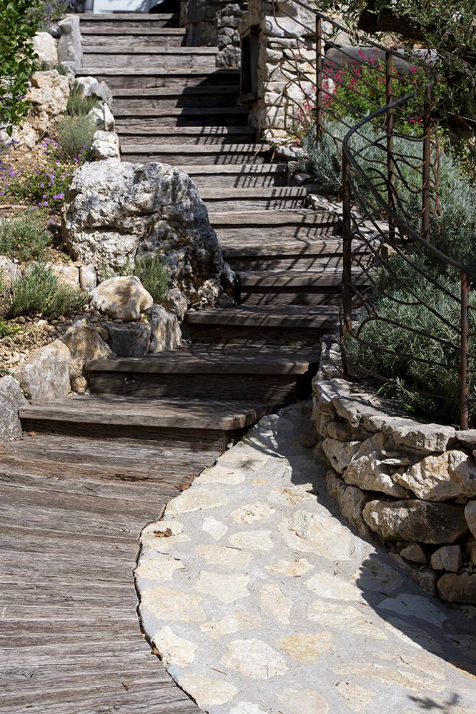 escalier hameau gite vercors